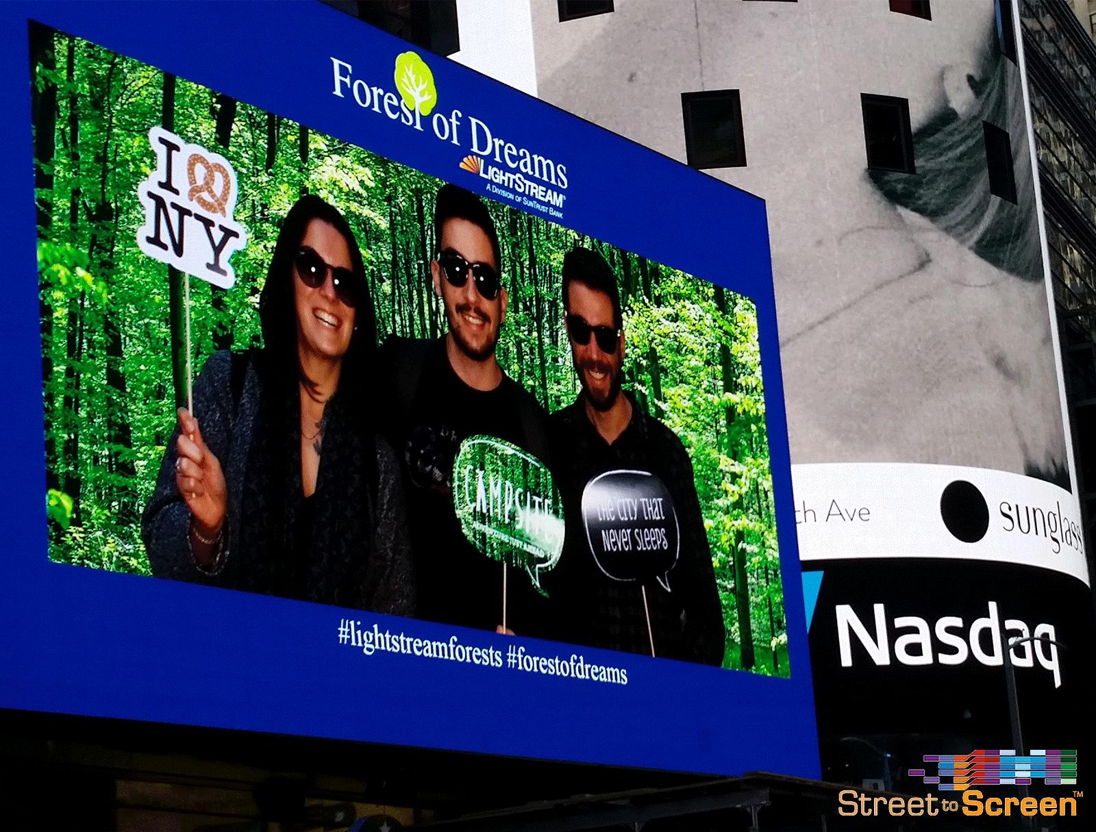 Lighstream,-Times-Square